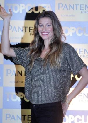 Gisele Bündchen no lançamento do concurso de beleza TopCufa (5/6/2012)
