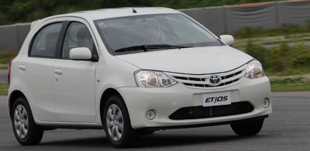 Etios, primeiro modelo compacto da Toyota a ser vendido no Brasil, chega às lojas em setembro - Divulgação