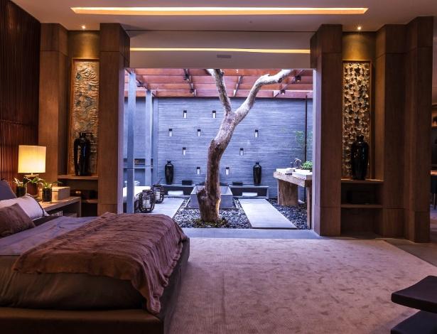 Casa do Jatobá, de Debora Aguiar, tem árvore no banheiro e é uma das vencedoras do  Prêmio Casa Cor - Flávio Florido/ UOL