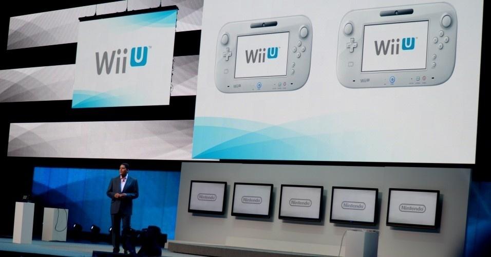 Reggie Fils-Aime, presidente da Nintendo para os Estados Unidos, anuncia em conferência pré-E3 a possibilidade de usar dois controles 'tablet' ao mesmo tempo no Wii U (e virão junto com o console)