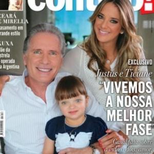 Roberto Justus, Ticiane Pinheiro e Rafaella posam para capa da revista