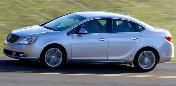 Marcas como Buick (na imagem, o sedã Verano), Cadillac e Wuling, fortes na China, alavancam GM - Divulgação