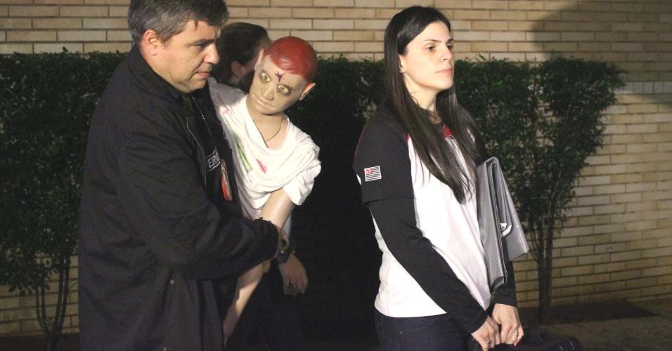 6.jun.2012 - Polícia reconstitui assassinato de executivo da Yoki após mulher confessar crime