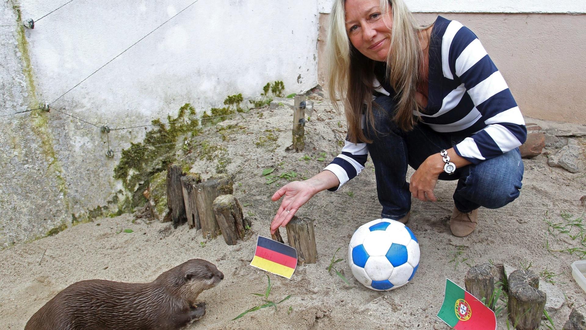 Se Paulus ficou em cima do muro, outro vidente alemão não pipocou. Para a lontra Nimo, do zoológico de Tierpark, vai dar Alemanha no jogo contra Portugal.
