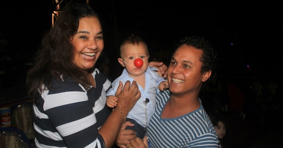 Solange Couto e o marido, Jamerson, levaram o filho Benjamin ao Circo Stankowich, na Barra da Tijuca, zona oeste do Rio (7/2/12)