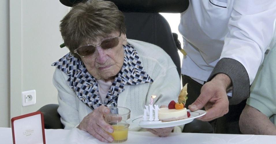 8.jun.2012 - Aos 114 anos, morre mulher mais velha do mundo, Marie-Therese Bardet