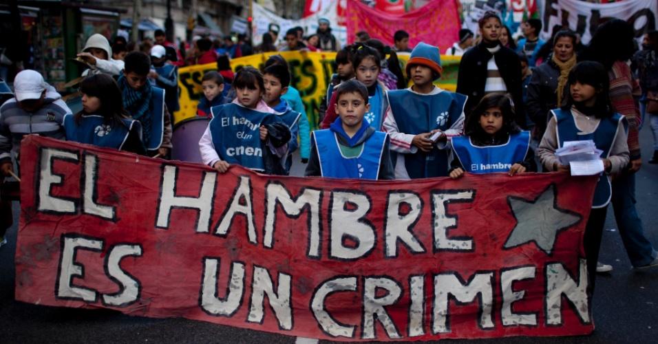 8.jun.2012 - Argentinos protestam contra o governo de Cristina Kirchner