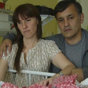 """A notícia foi confirmada pela mãe da bebê, Selva Herbón, em declarações à imprensa local. """"Ela partiu em paz e deixou direitos para todos"""", disse a mãe"""
