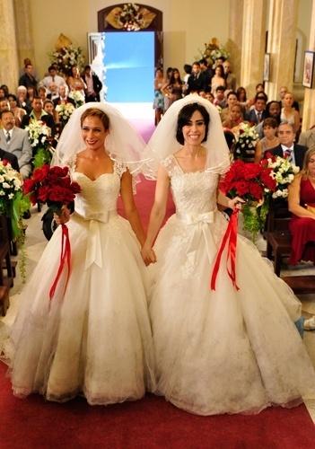 Casamento de Sueli (Andréa Beltrão) e Fátima (Fernanda Torres) na série