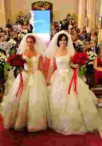 """Casamento de Sueli (Andréa Beltrão) e Fátima (Fernanda Torres) na série """"Tapas & Beijos"""" (Globo) - undefined"""