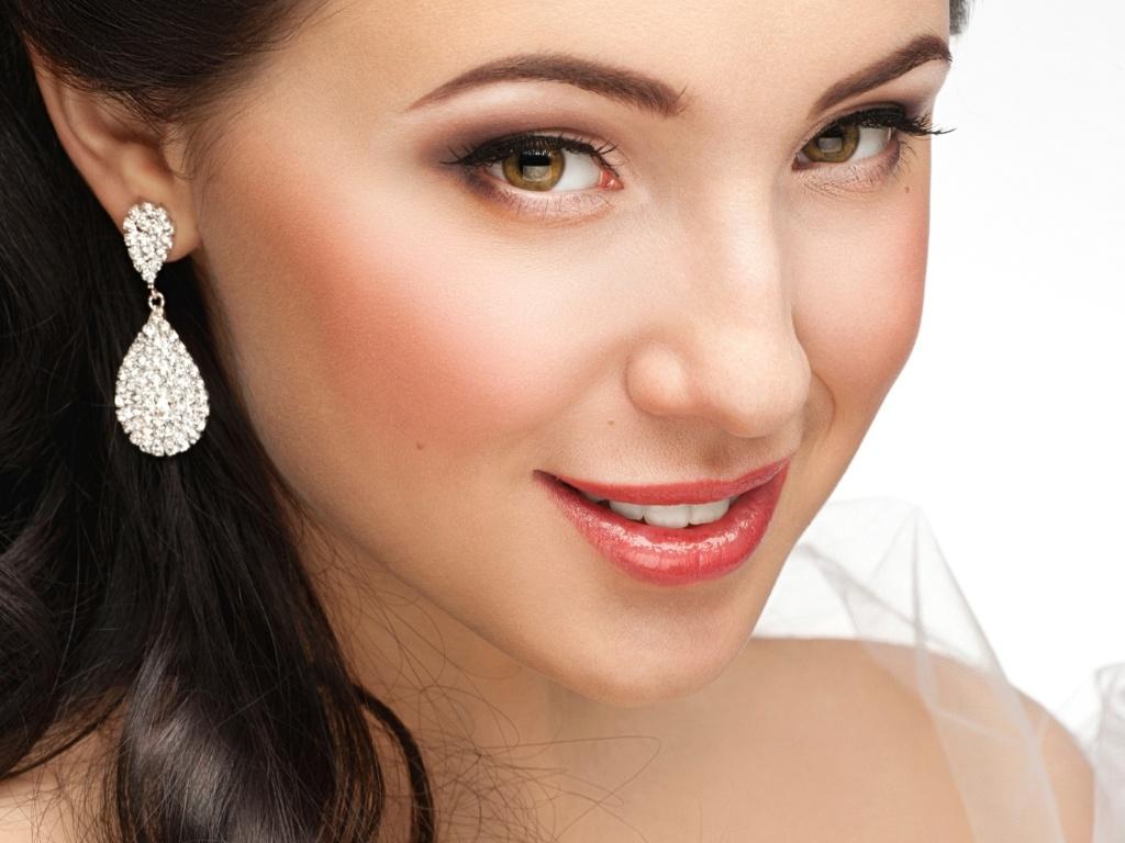Aluguel de joias sai em conta para noivas e convidadas do casamento  veja  onde encontrar - 11 06 2012 - UOL Universa d973c785ec