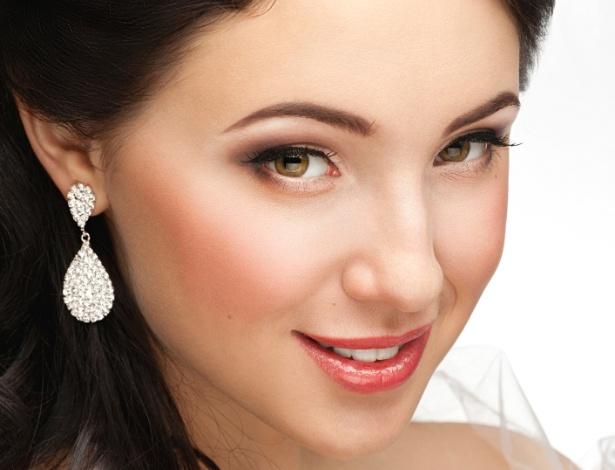 Aluguel de joias sai mais barato do que compra e permite que noiva invista o dinheiro na festa - Thinkstock