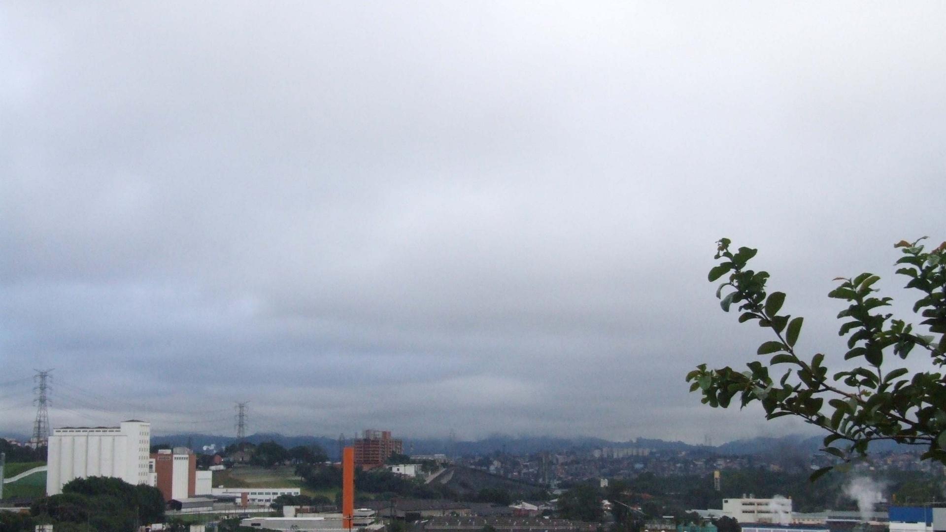 9.jun.2012 - Manhã de frio em SP