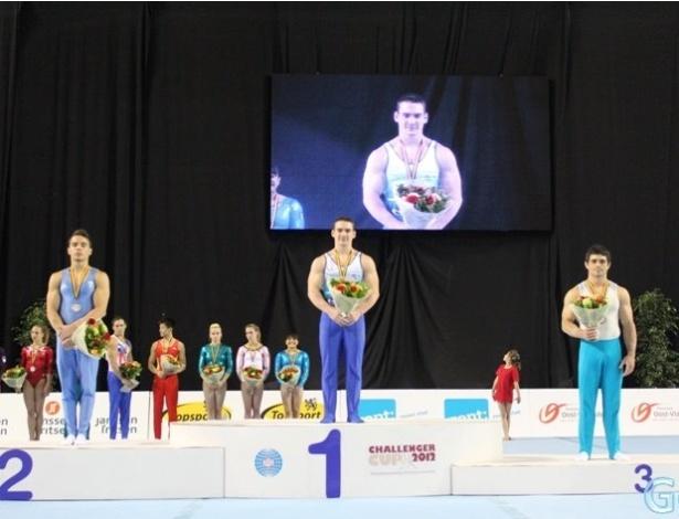 Arthur Zanetti recebe o ouro na etapa de Ghent na Copa do Mundo de ginástica artística