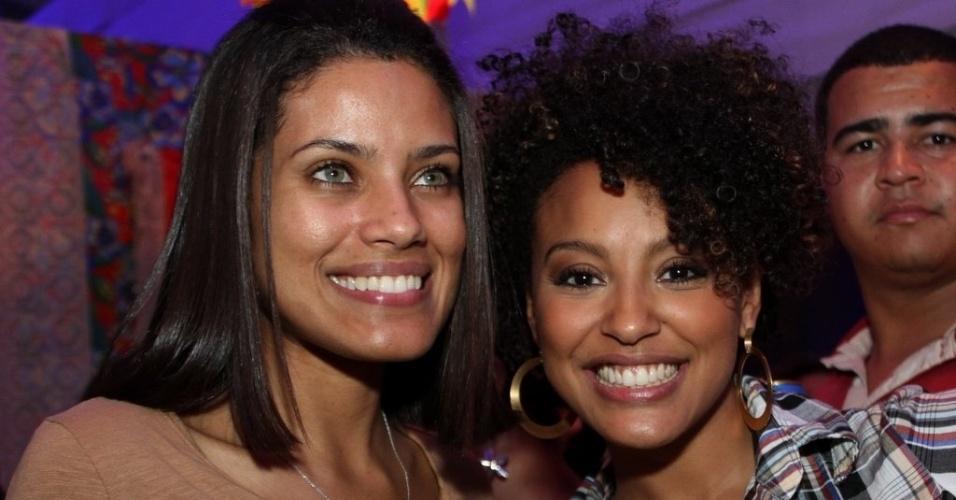 As atrizes Ildi Silva e Sheron Menezzes vão ao São João Carioca (10/6/2012)