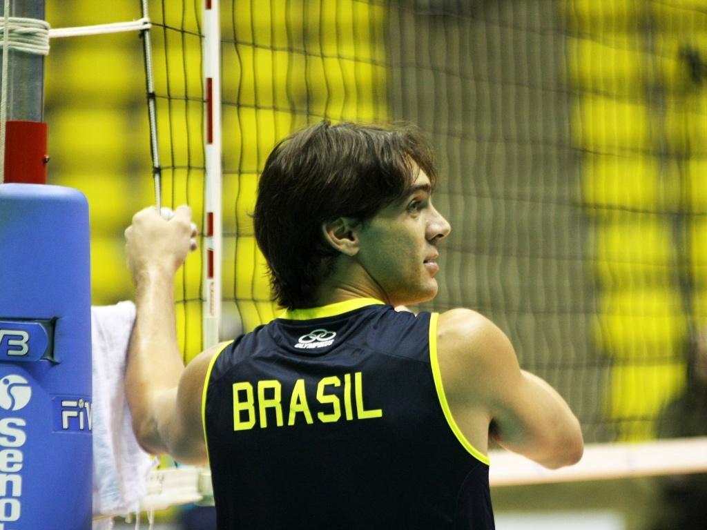 Giba participa de treinamento da seleção de vôlei em São Bernardo, durante a Liga Mundial
