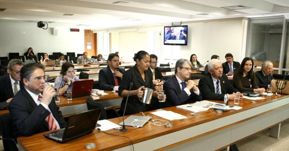11.jun.2012 - Comissão de juristas que analisará mudanças no Código Penal