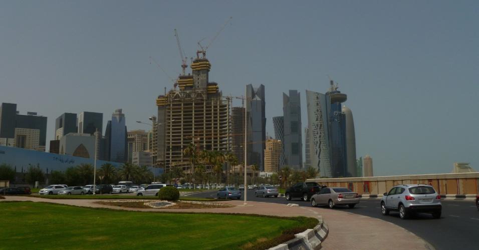 A sensação em Doha, capital do Qatar, é que o país está em constante construção. Os altos prédios que formam o skyline da cidade ganham a cada dia mais vizinhos