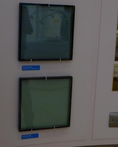 Uma das tecnologias estudadas no país é de usar os vidros dos prédios para geração de energia solar