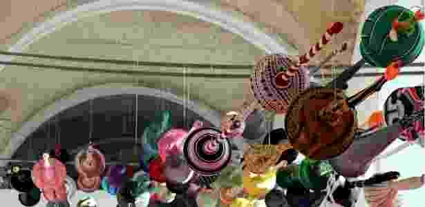 A capital da Ucrânia, Kiev, sedia até 31 de julho sua primeira bienal internacional de arte contemporânea, que ocorre em um antigo depósito de armas soviético. O local, ainda em reformas, está se transformando em um centro cultural - Roman Lebed / BBC Ucrânia