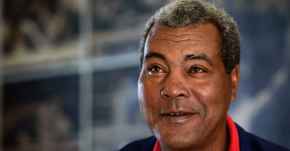Cubano Teofilo Stevenson, tricampeão olímpico e considerado um dos maiores boxeadores amadores da história, em uma entrevista em 2007; ele morreu de infarto em junho de 2012