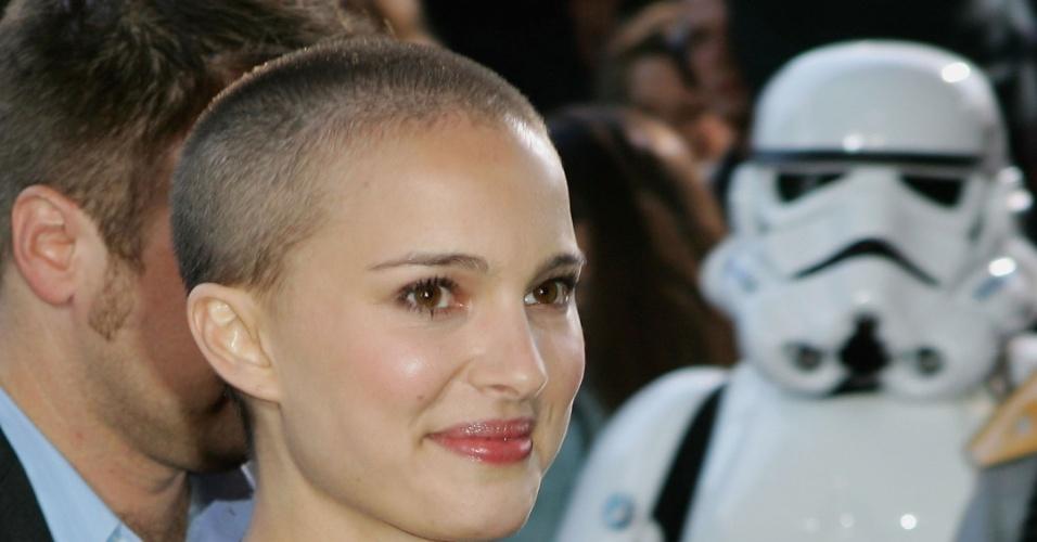 """Natalie Portman raspou os cabelos para o filme """"V de Vingança"""", de 2006 (12/6/12)"""