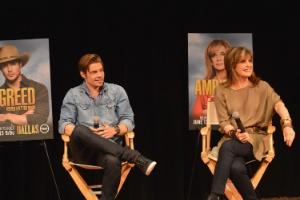 """Os atores Josh Henderson and Linda Gray na coletiva da reestreia da série """"Dallas"""", no último sábado (9), em Tennessee, nos Estados Unidos"""