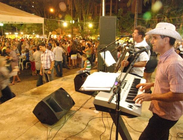 Circuito Festa Junina Uberlandia : Festas juninas em uberl ndia mg ganham som eletrônico