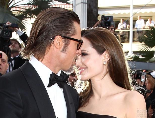 Apaixonados, Brad Pitt e Angelina Jolie devem se casar ainda neste ano, em um castelo na França - Getty Images