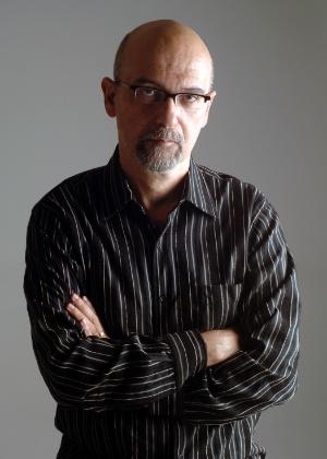 """O escritor Luiz Eduardo Soares, autor de """"Tudo ou Nada"""", que participa da Flip 2012 - Bruno Veiga/Divulgação"""