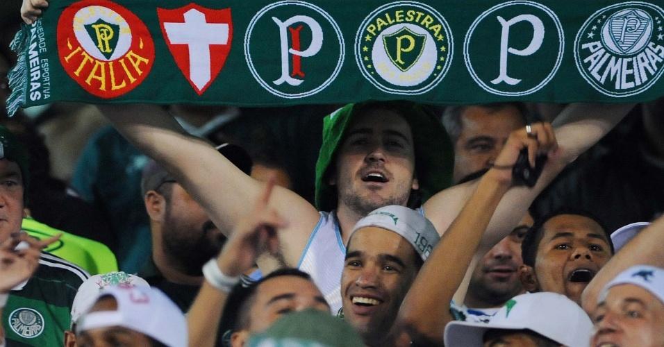 Torcida do Palmeiras marca presença no estádio Olímpico