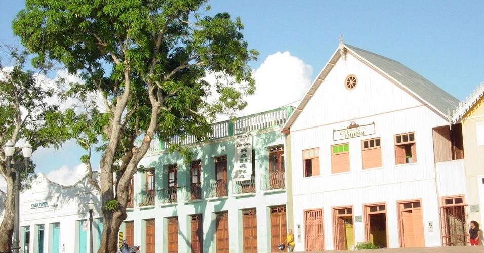 Casário na gameleira, em Rio Branco (AC)