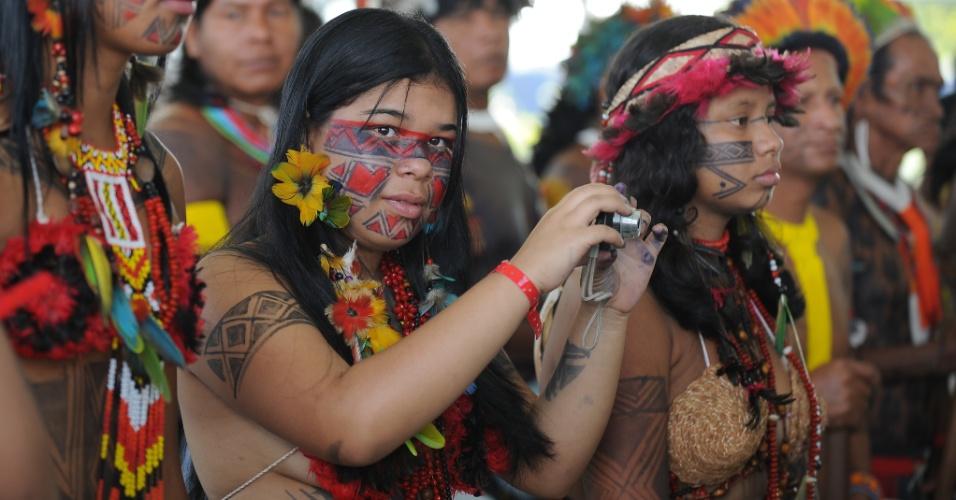15.jun.2012 - Índia registra abertura da Cúpula dos Povos, evento paralelo à Rio+20, Conferência da ONU sobre Desenvolvimento Sustentável