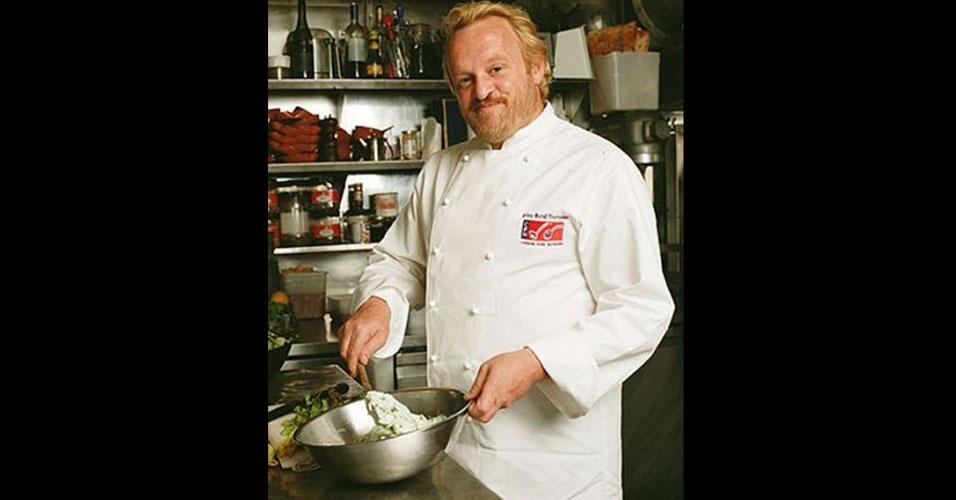 9.jan.2012 - Chef britânico Antony Worrall Thompson, famoso no Reino Unido, é pego em flagrante afanando queijo e vinhos de um hipermercado local. Pela quinta vez. Pelo visto, a receita do sucesso desandou