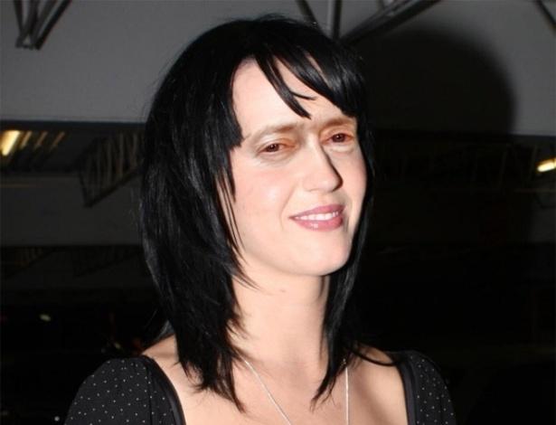 Acrescentar olhos de Steve Buscemi - Os olhos ator americano, dos filmes ''Cães de Aluguel'' e ''Pulp Fiction'', foram parar em montagens substituindo os olhos originais das celebridades. Na foto, a cantora Katy Perry