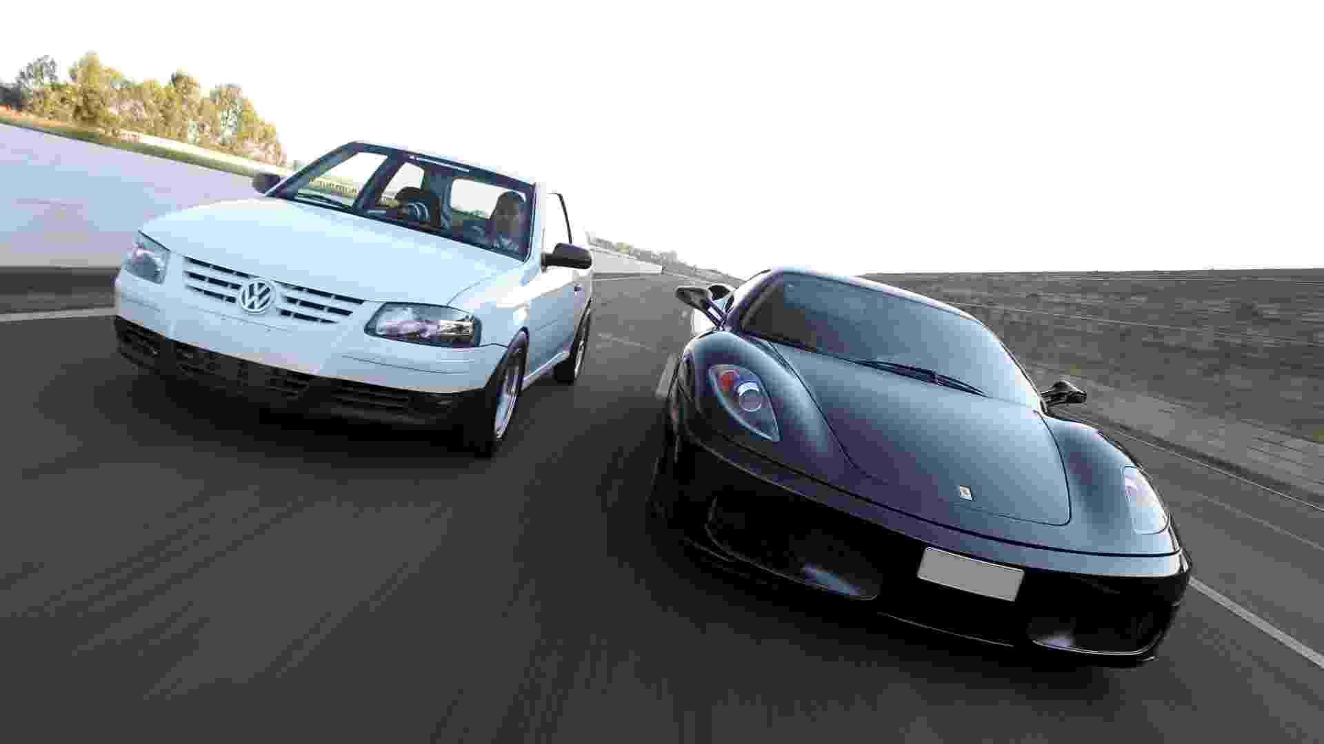 Com 700 cv de potência, este VW Gol com faróis e lanternas de Gol G4 resolveu encarar uma Ferrari F430 2006 com mais de 500 cv - João Mantovani/Fullpower