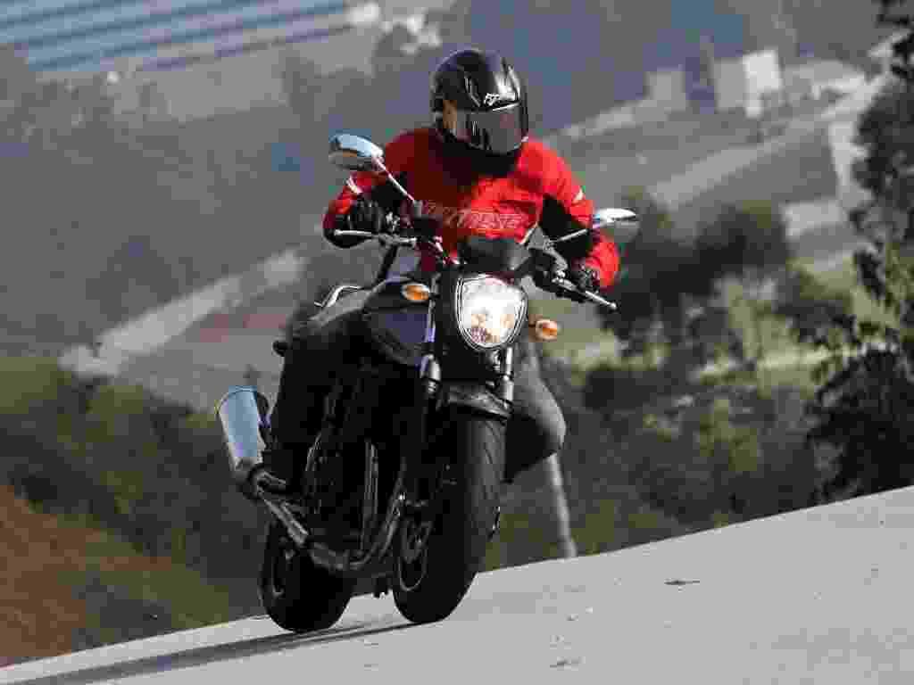 Com preço sugerido de R$ 33.900, nova Suzuki Bandit 1250 é indicada para quem quer uma naked amigável e fácil de pilotar - Doni Castilho/Infomoto
