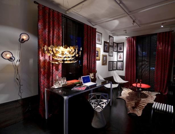 Gabinete projetado pelo designer de interiores Johnny Thomsen, homenageia o estilista Alexander McQueen - Divulgação