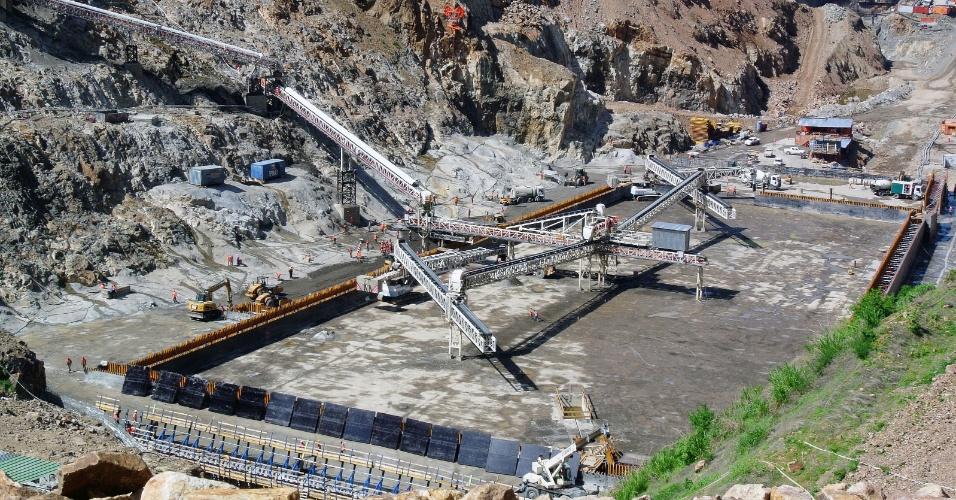 Na foto, a represa de Gibe III, que está em construção.