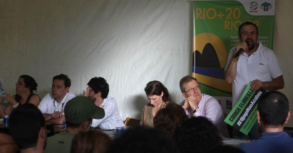 16.jun.2012 - Mario Mantovani, diretor de mobilização da Fundação SOS Mata Atlântica, discursa
