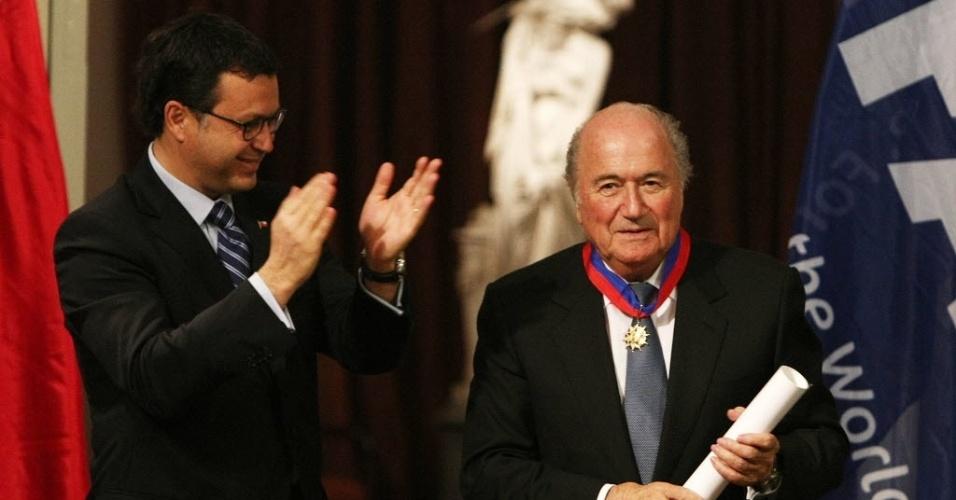 Joseph Blatter recebe homenagem durante evento realizado em Santiago, no Chile