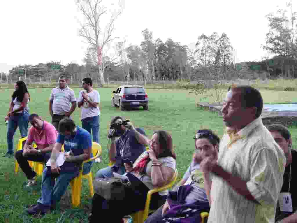 16.jun.2012 - Rio + Tóxico leva jornalistas, pesquisadores e ambientalistas a áreas de conflitos ambientais - Marco Antônio Teixeira/UOL