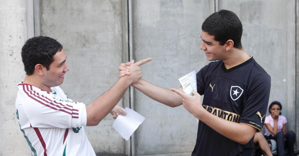 Disputa no futebol e no vestibular: o tricolor João Guilherme, 19, e o botafoguense Lucas Santos, 17, farão o vestibular da Uerj (Universidade do Estado do Rio de Janeiro) para engenharia