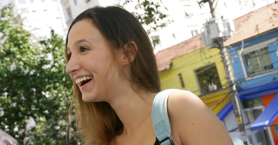 Júlia Grave, 17, faz o vestibular de inverno da PUC-SP para o curso de direito