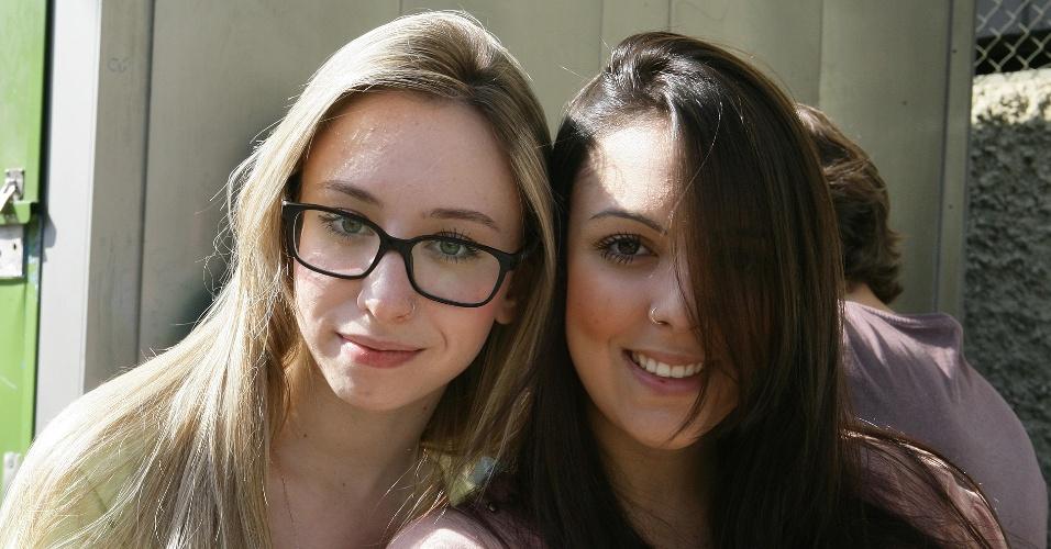 Paloma Ghorayeb, 17, vai fazer o vestibular de inverno da PUC-SP para o curso de relações internacionais e Jéssica Albieri, 18, tenta uma vaga no curso de direito