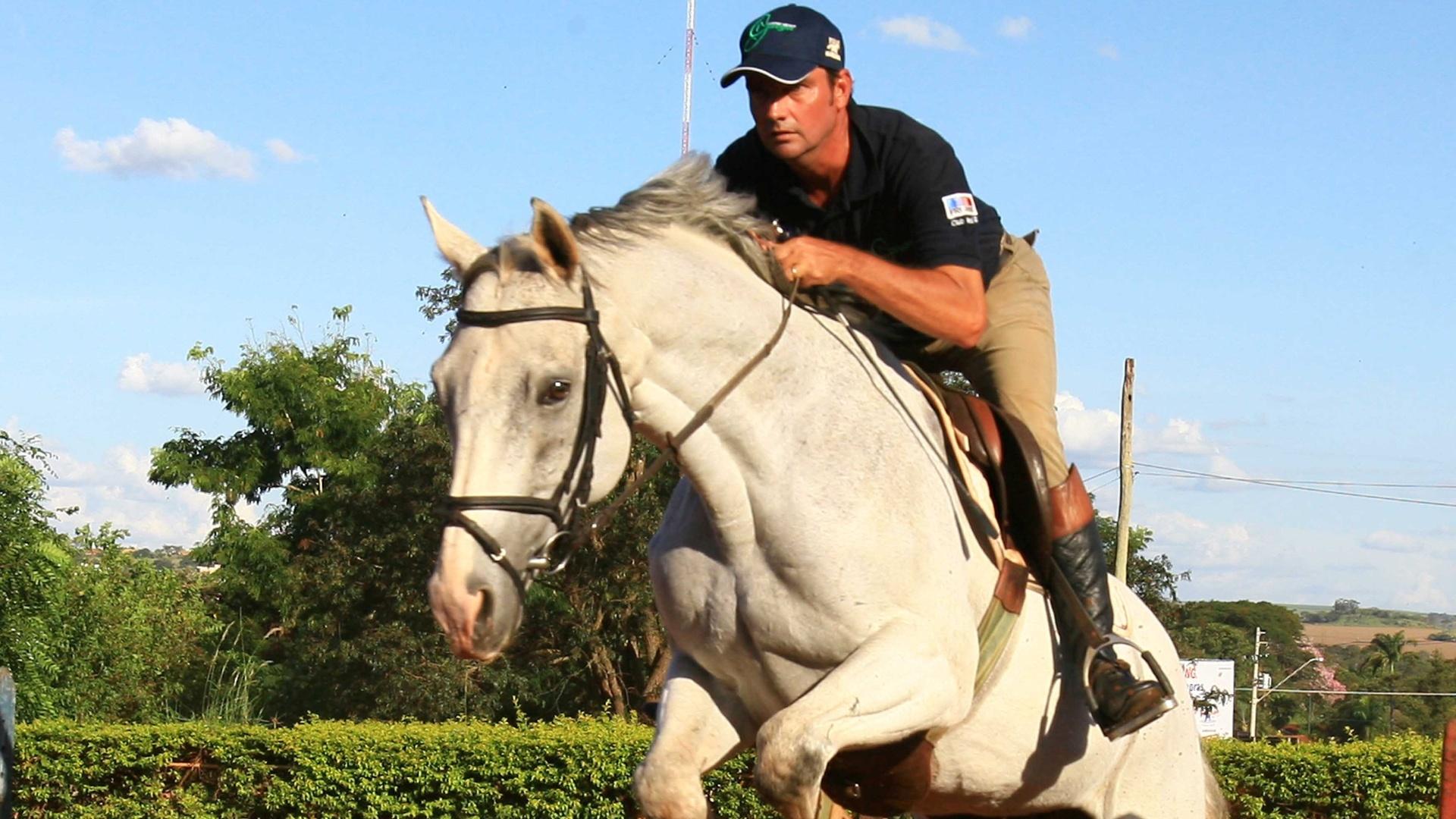 O cavaleiro Serguei Fofanoff, o Guega, durante treino em Ribeirão Preto (22/03/2012)