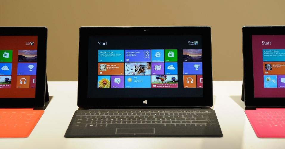 O tablet Surface com Windows RT terá 9,3 milímetros de espessura, porta USB 2.0, espaço para cartão micro SD, carcaça de magnésio, cerca de 680 gramas e tela de 10,6 polegadas (maior que a maioria dos concorrentes).