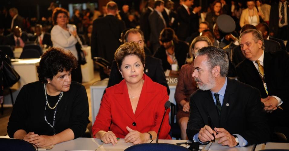 20.jun.2012 - Dilma Rousseff, Antonio Patriota e Izabella Teixeira participam de plenária da Rio+20, Conferência da ONU sobre o Desenvolvimento Sustentável