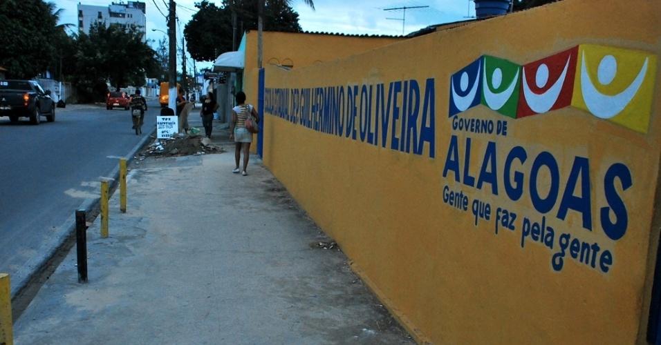 A Escola Estadual Deputado Guilhermino de Oliveira retomou, parcialmente, suas aulas nesta segunda-feira (18)