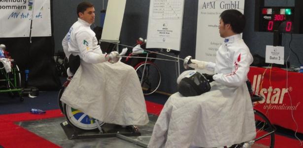 Jovane Guissone (à esquerda) em ação em torneio internacional; brasileiro é esperança em Londres